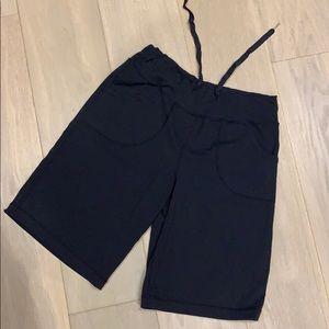 Lululemon shorts. (Inseam 26 cm)
